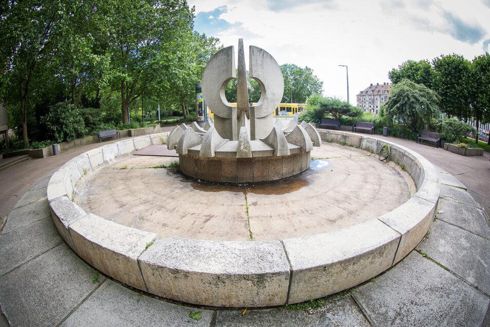 Die Krachtbrunnen an den Rändern des Neustädter Marktes müssten dringend saniert werden.