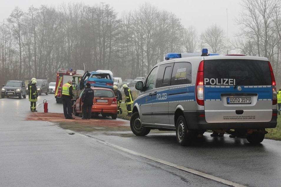 Auf der B156 nahe Bautzen hat es am Donnerstag einen schweren Unfall gegeben.