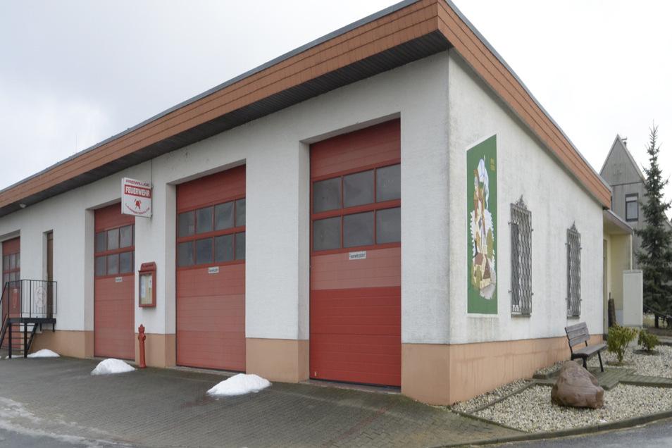 Das Lampertswalder Feuerwehr-Gerätehaus.