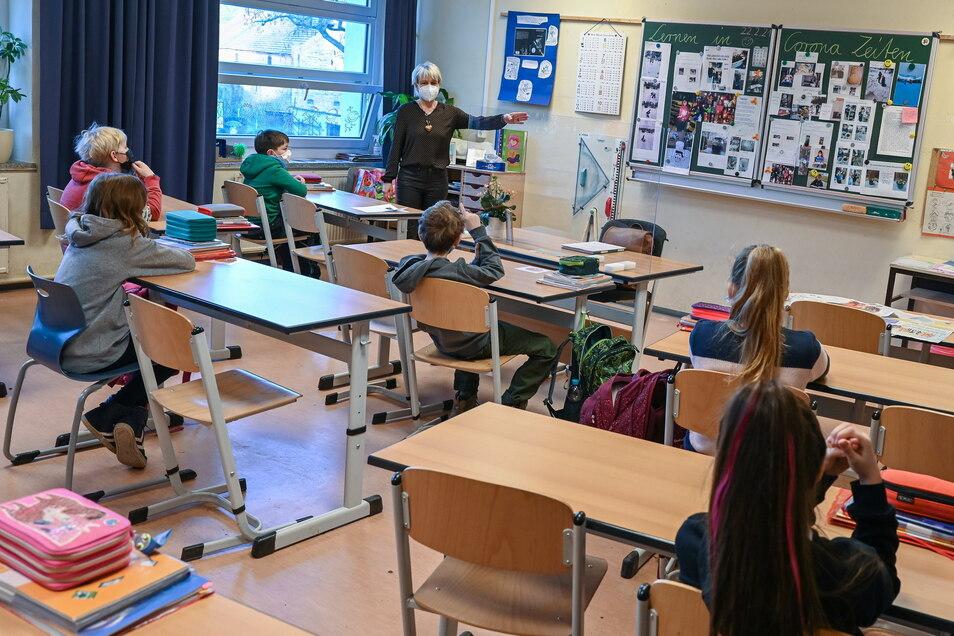 Alle Schüler ab Klasse 5 müssen sich einmal wöchentlich testen lassen.