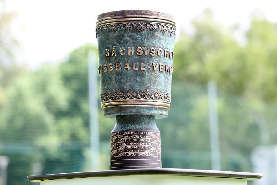 Um diese Trophäe geht's im sächsischen Fußball-Landespokal. Die erste Runde wird am 7. und 8. August ausgespielt.