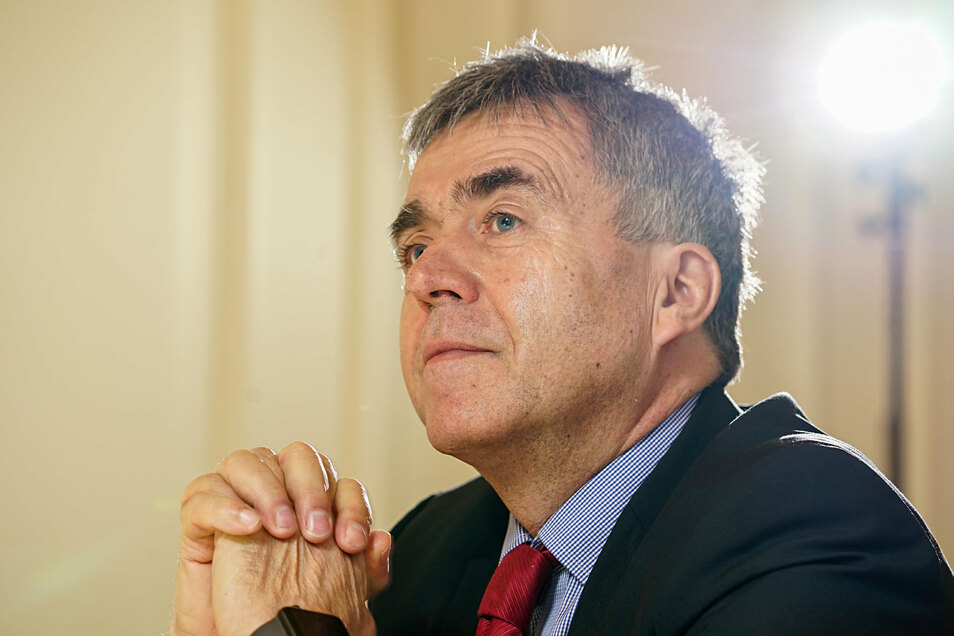 Bautzens Landrat Michael Harig (CDU) will die Körse-Therme retten. In der Pflicht sieht er aber zuerst den Betreiber-Verband.