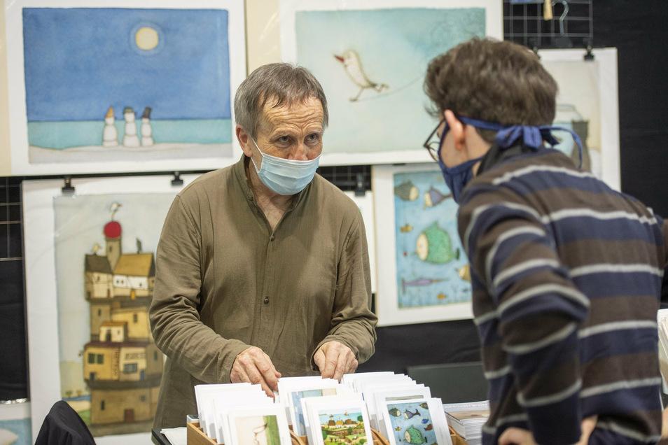 Der Künstler Holger Koch durfte das Plakat zum Grafikmarkt gestalten. Seine humorvollen Bilder kamen bei den Besuchern gut an.