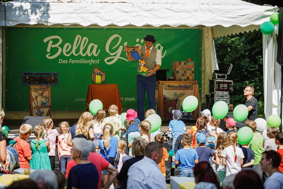 Verzaubert: Meister Blauknopf hatte bei Bella Gröba seinen Auftritt.