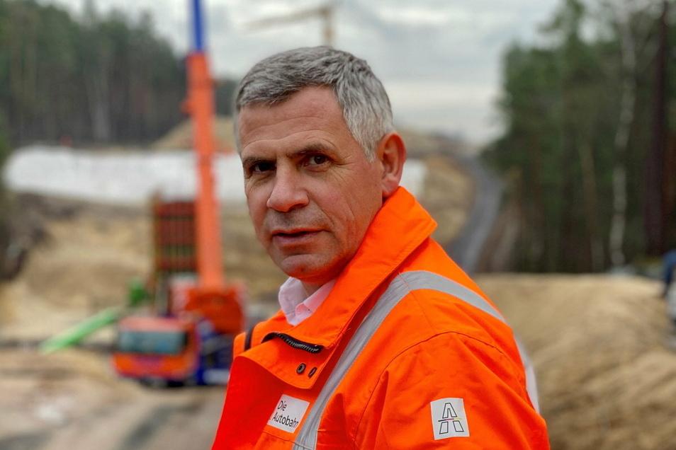Vor der Tätigkeit als Vorsitzender der Geschäftsführung der Autobahn GmbH war Stephan Krenz Deutschlandchef des Bahnunternehmens Abellio und des Bahntechnikanbieters Bombardier.