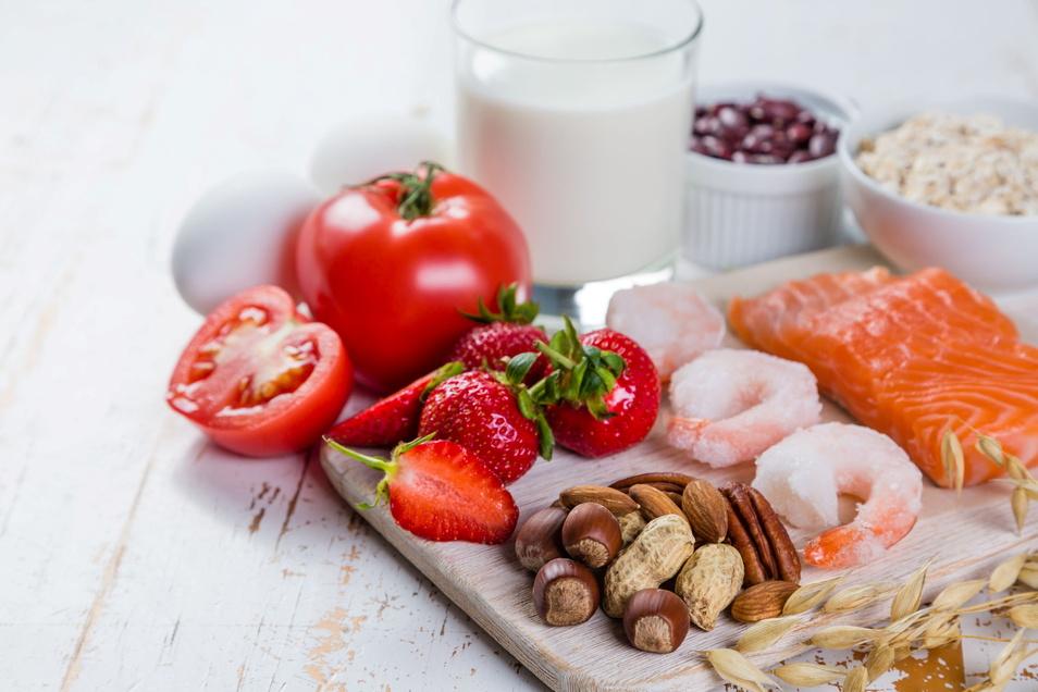 Erdbeeren, Nüsse, Fisch und Hülsenfrüchte gehören zu den häufigsten Auslösern für eine Lebensmittelallergie.