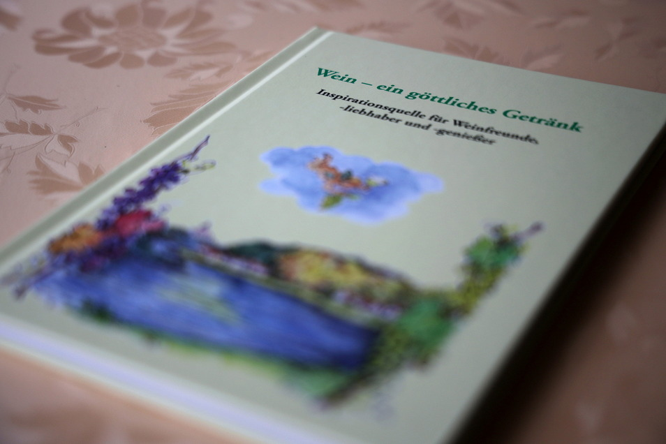 """Die erste Auflage von Alexa Raums Buch """"Wein - ein göttliches Geschenk"""" war nach kurzer Zeit vergriffen."""