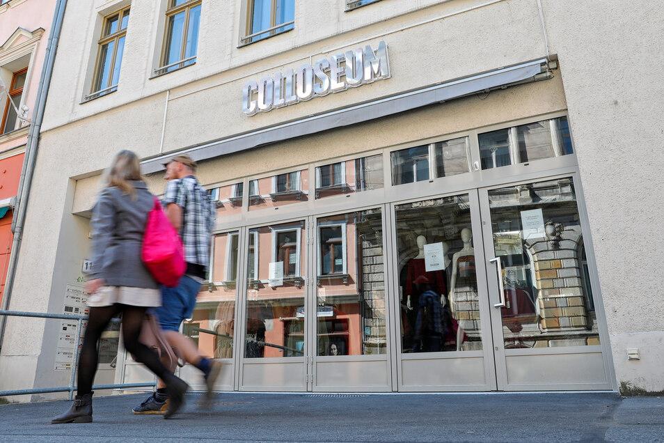 """Trotz der Lockerungen im Einzelhandel bleibt die """"Colloseum""""-Filiale in Zittau weiterhin zu."""