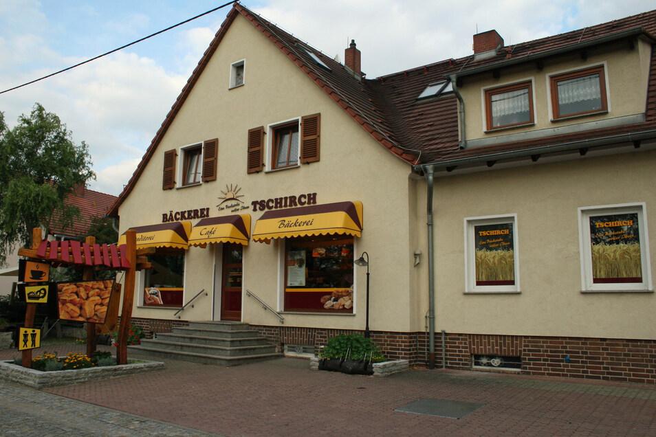 In Ober-Neundorf ist diesmal eine Stempelstelle bei der Bäckerei Tschirch.