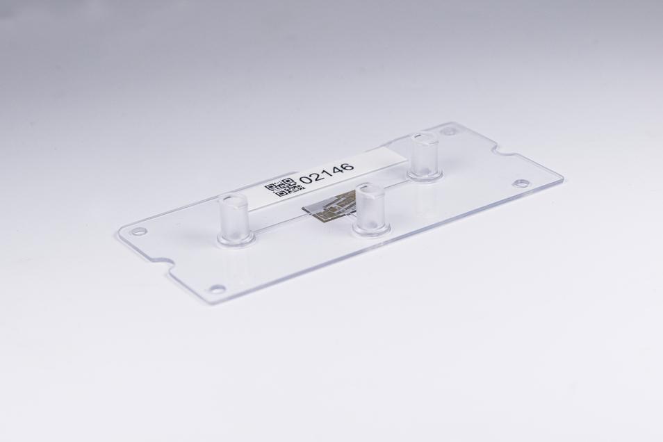 Lab-on-Chip-Systeme sollen perspektivisch Tierversuche substituieren und einen patientenspezifischen Medikamenteneinsatz ermöglichen. »Atem« nimmt die Produktion dieser Systeme in den Blick, um filigrane Halbleitersysteme direkt, biokompatibel und fluidis