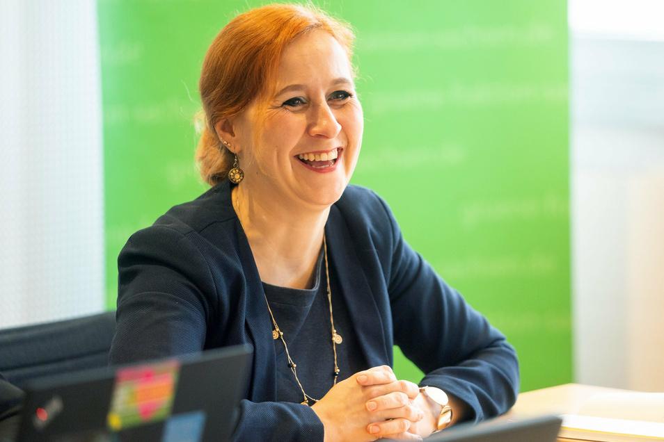 Die sächsische Grünen-Politikerin Franziska Schubert leitet für weitere zwei Jahre die Fraktion ihrer Partei im Landtag von Sachsen.
