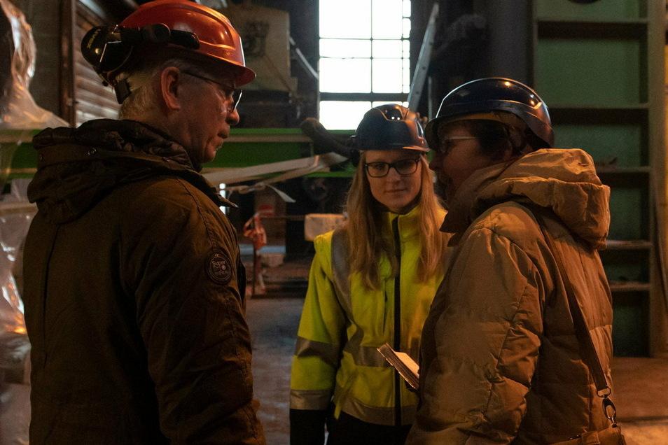 Projektleiterin Mandy Paech (Mitte) hier im Gespräch mit Geschäftsführer Wolfgang Pradella und SZ-Redakteurin Kathrin Krüger-Mlaouhia.