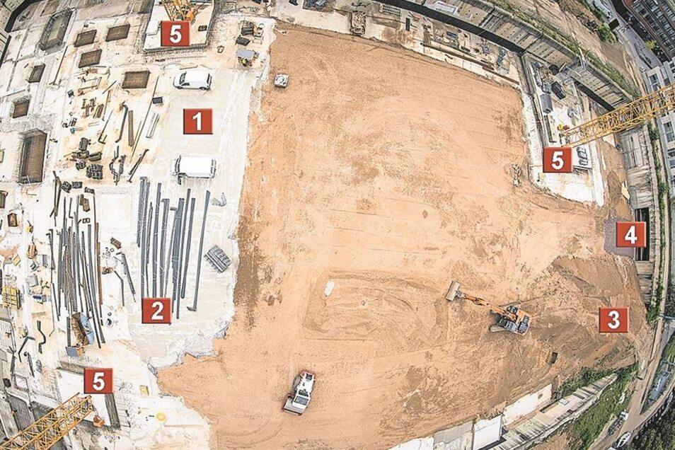 Am Kran hängend hat SZ-Fotograf André Wirsig den Blick in die Baugrube aufgenommen. Gebaut wird von der Prager Straße (rechts) zur Breslauer Straße (links). 1 Betonplatte für das zweite Untergeschoss. 2 Bewehrungsstähle. 3 Provisorische Zufahrt. 4 Tunnelz