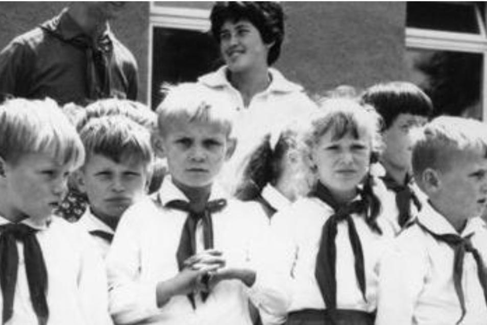 """Ein Klassiker des DDR-Dokuemtarfilms: In """"Die Kinder von Golzow"""" und """"Rückkehr nach Golzow"""" begleiteten die Filmemacher Barbara und Winfried Junge Heranwachsende eines Dorfes über Jahrzehnte hinweg."""