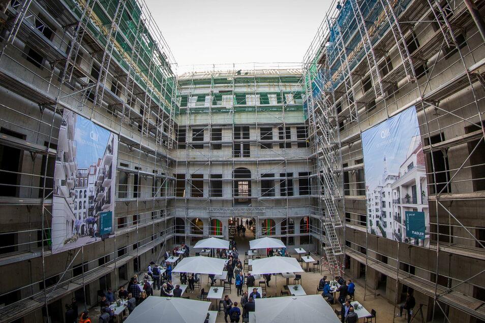 Das Palais Hoym ist derzeit im Rohbau, später werden die am historischen Vorbild orientierten Fassaden montiert.
