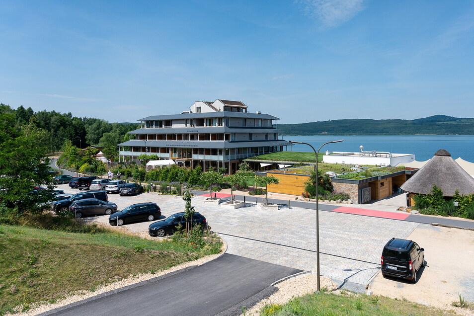 """Das Hotel """"Insel der Sinne"""" am Berzdorfer See."""