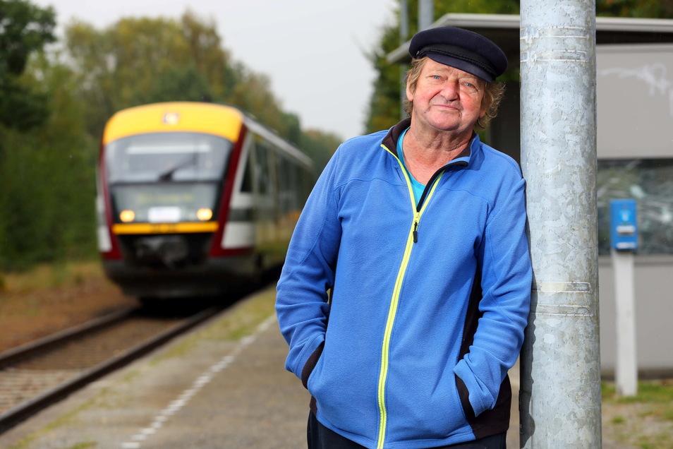 Eisenbahnfan Eberhard Ruttloff aus Bischheim findet, dass das 150. Jubiläum der Eisenbahnstrecke Kamenz - Radeberg größere Aufmerksamkeit verdient hätte.