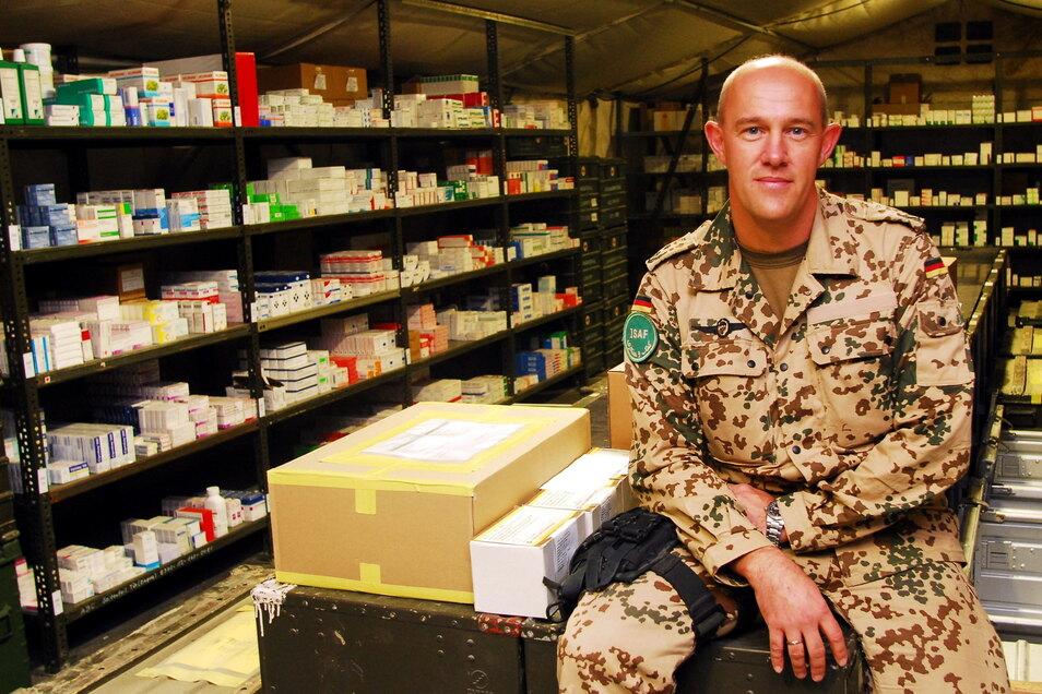 Die Pharmazie in Krisengebieten, wie hier in Mazar-e Sharif, sei keineswegs vergleichbar mit der in Mitteleuropa. Die Not habe Apotheker Hartmut Berge jedoch stets erfinderisch gemacht.