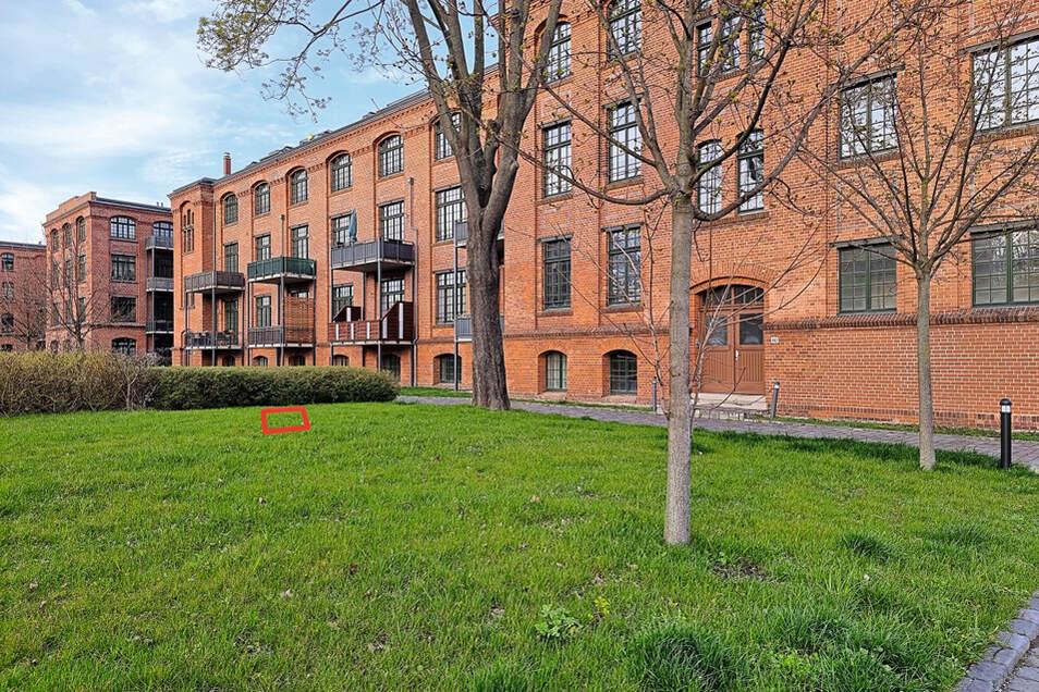 Deutschlands wohl teuerster Quadratmeterpreis, Nutzungsrecht an 30 PKW-Stellplätzen / Mindestgebot 175.000 Euro
