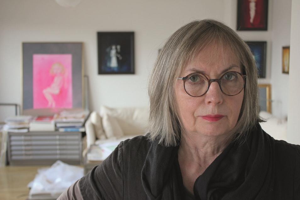 Die Künstlerin Jutta Mirtschin illustriert Bücher, arbeitet aber auch fürs Theater. Viele ihrer Werke sind jetzt in einem Bildband zu sehen.