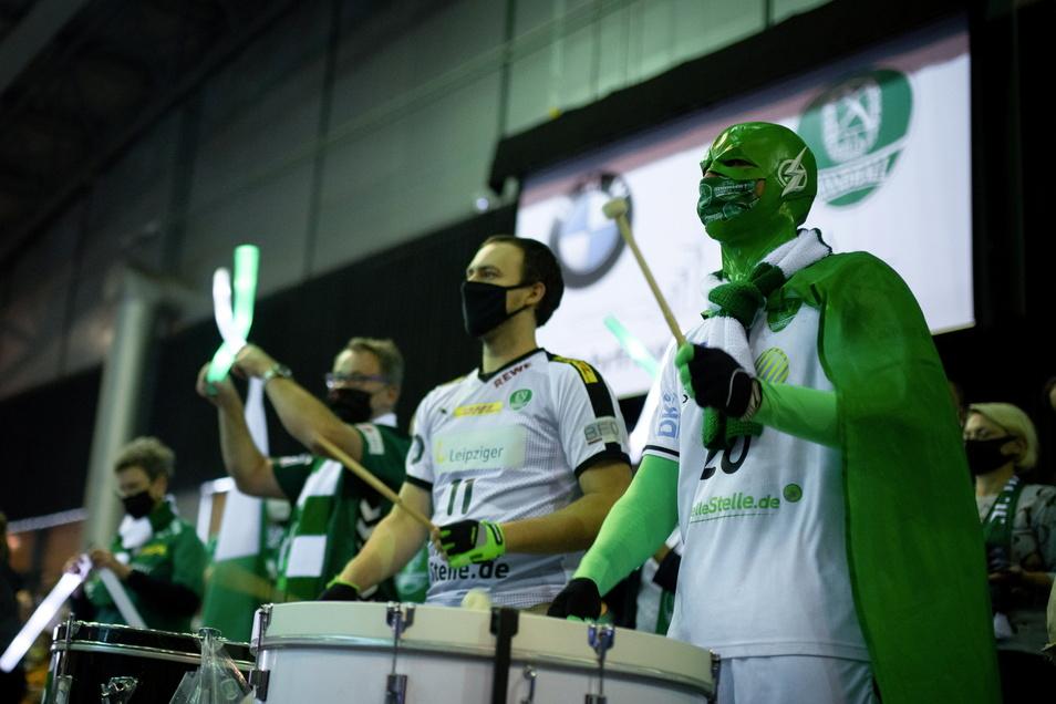 Der Zeitpunkt könnte für Leipzigs Handballer kaum besser sein. Zum Heimspiel gegen Tabellenführer Kiel dürfen erstmals seit November wieder Fans in der Arena dabei sein. Allerdings unter strengen Auflagen.
