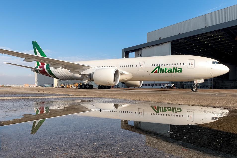 Eine Boeing 777 der Alitalia.