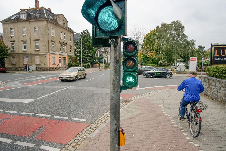Hier soll sich etwas tun: Die Stadt Bautzen will die Kreuzung auf der Löbauer Straße vor der Gaststätte Lusatia umbauen.