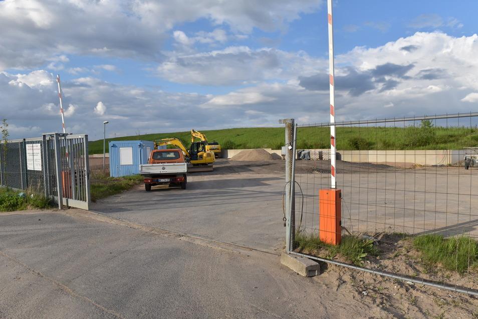 Auf der ehemalige Deponie in Cunnersdorf entsteht derzeit ein neuer Wertstoffhof.