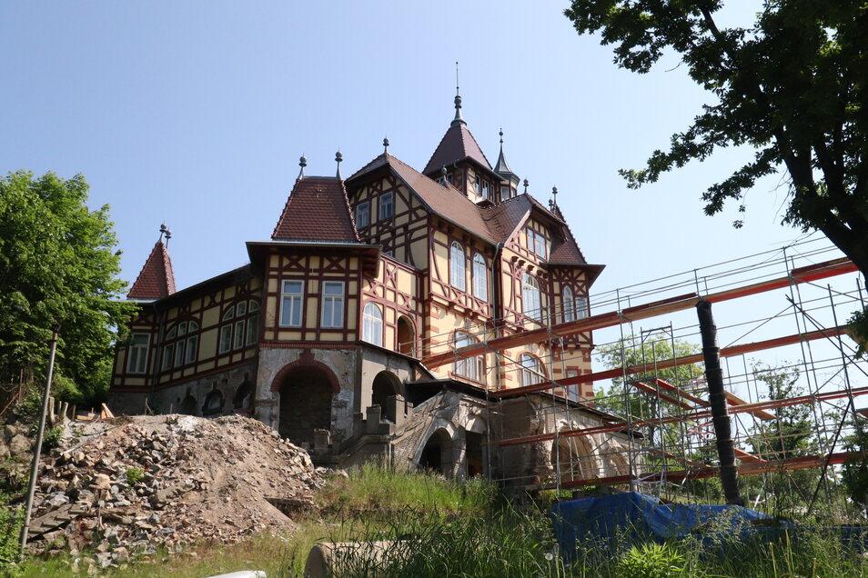Die Stadt Varnsdorf erneuert die Gaststätte auf dem Burgsberg.