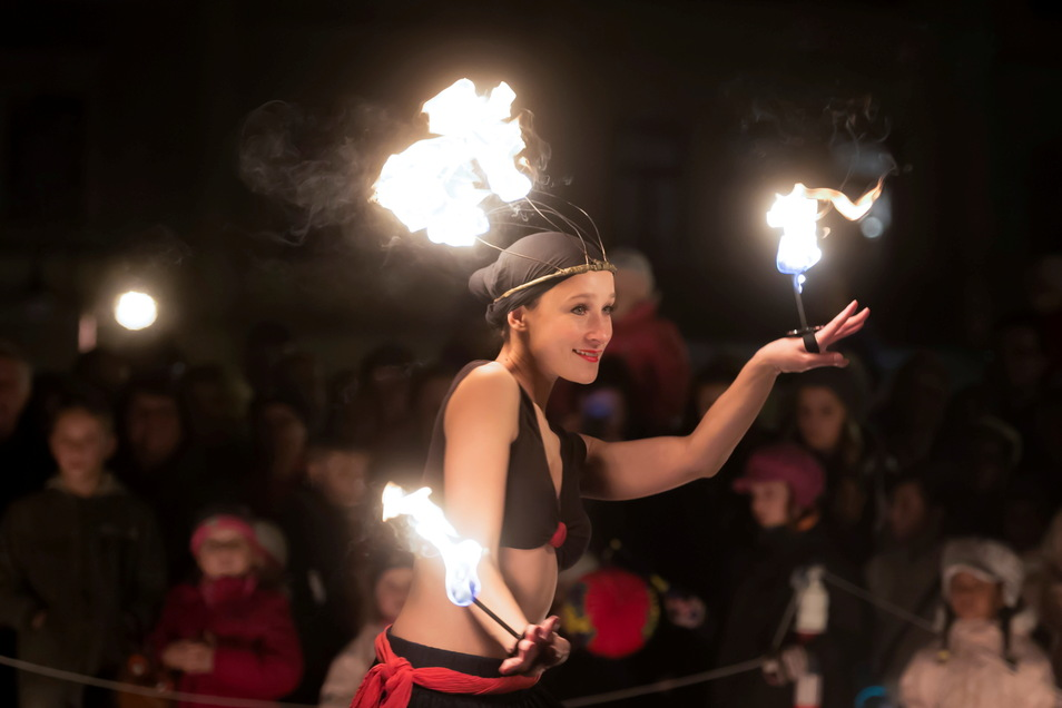 Feuershows, Trommler oder Jonglage gehörten in den vergangenen Jahren zur Museumsnacht in Sebnitz. Das Programm für 2021 wird bald veröffentlicht.
