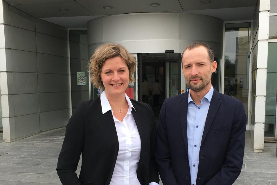 Aufgrund steigender Anforderungen hat sich das Elblandklinikum Meißen entschlossen, eine Doppelspitze in der Pflegedirektion zu etablieren. Bianca Svoboda verstärkt das Team neben Dirk Siebert.