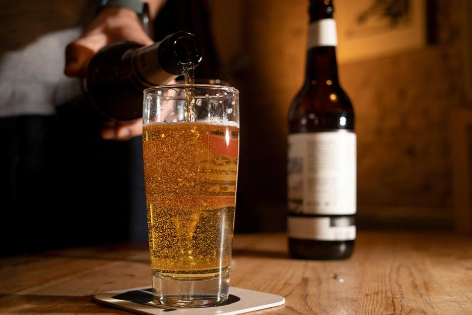 Drei Bier in vier Stunden will der Angeklagte getrunken haben. Das kann nicht stimmen bei einem Blutalkoholwert von 1,31 Promille.