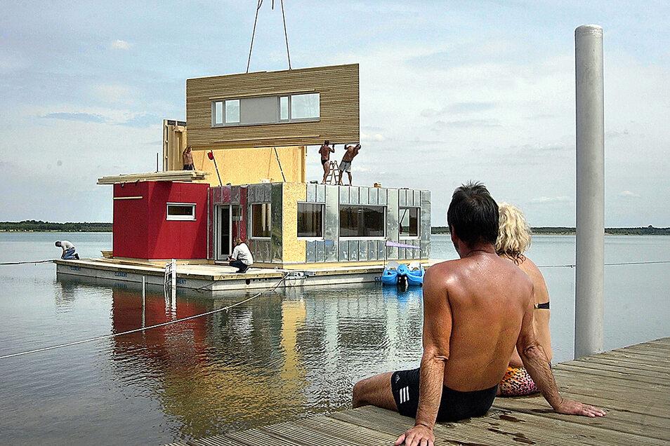 Der Bau schwimmender Häuser war eine Vision für die Lausitz, die längst Wirklichkeit geworden ist.