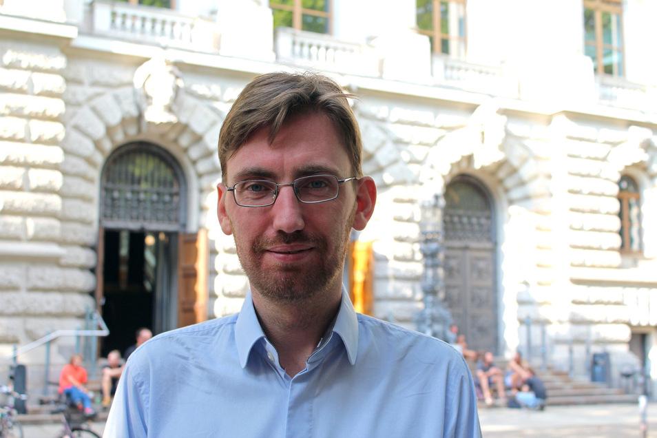 Dr. Hendrik Träger ist Politikwissenschaftler an der Uni Leipzig. Im Podcast Drittelstunde spricht er über die Landtagswahl in Sachsen und über Parteien im Wahlkampf.