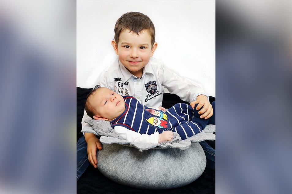 Alexander mit Bruder Leon, geboren am 20. Oktober, Geburtsort: Kamenz, Gewicht: 3.760 Gramm, Größe: 52 Zentimeter, Eltern: Theresa und Tobias Wätzig, Wohnort: Räckelwitz