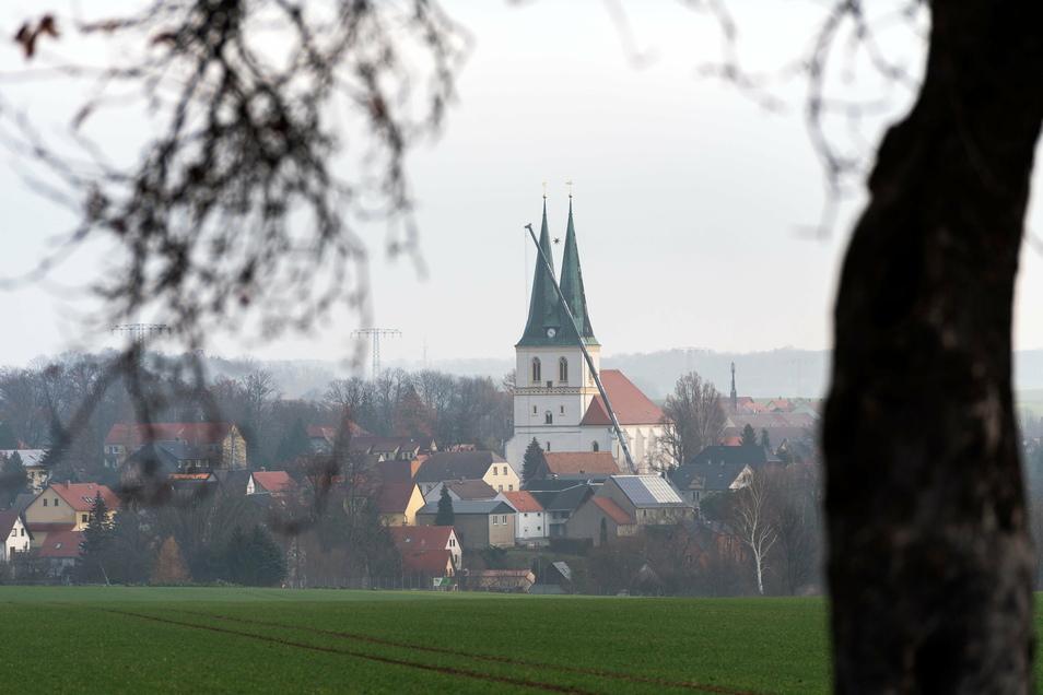 Die sorbisch geprägte Kirchgemeinde Göda hat Widerspruch gegen die Zusammenlegung mit den Gemeinden in Bischofswerda, Burkau, Demitz-Thumitz, Pohla-Uhyst und Gaußig zu einem sogenannten Schwesterkirchverhältnis eingelegt.