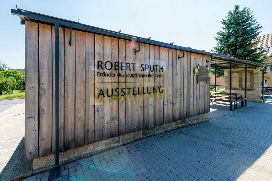 Am Dorfzentrum von Mittelndorf geht es hinab in den Keller eines ehemaligen Gasthofes. Hier hat der Frühlingsfestverein Mittelndorf eine Ausstellung eingerichtet.