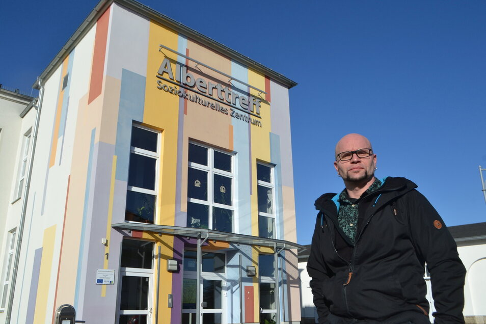 Raimo Siegert von der Mobilen Jugendarbeit Großenhain & Priestewitz will den Rostigern mit Rat und Tat helfen.