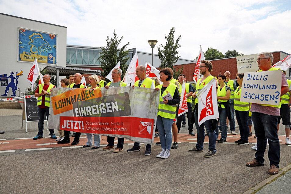 Bei der NGG wurde von Dienstag auf Mittwoch gestreikt - 24 Stunden lang. Eine Einigung im Tarifstreit scheint aber noch in weiter Ferne.