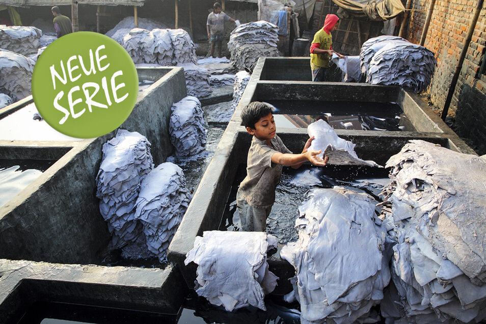 Kinderarbeit in einer Gerberei in Bangladesch. Das Leder wird für Schuhe gebraucht, die nach Europa geliefert werden.