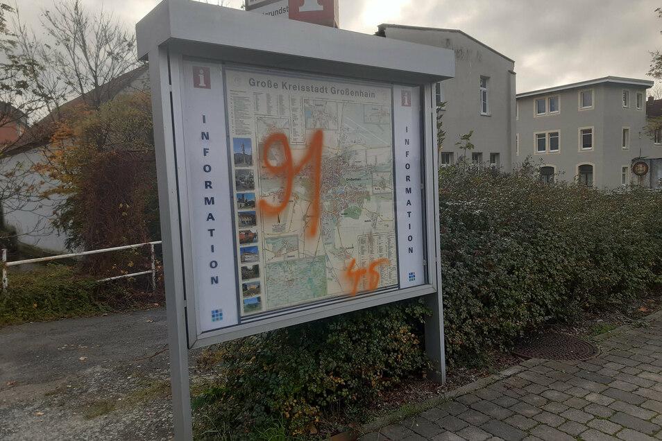 Schauplatz der jüngsten Schmiererei in Großenhain ist diese Orientierungstafel auf der Beethovenallee.