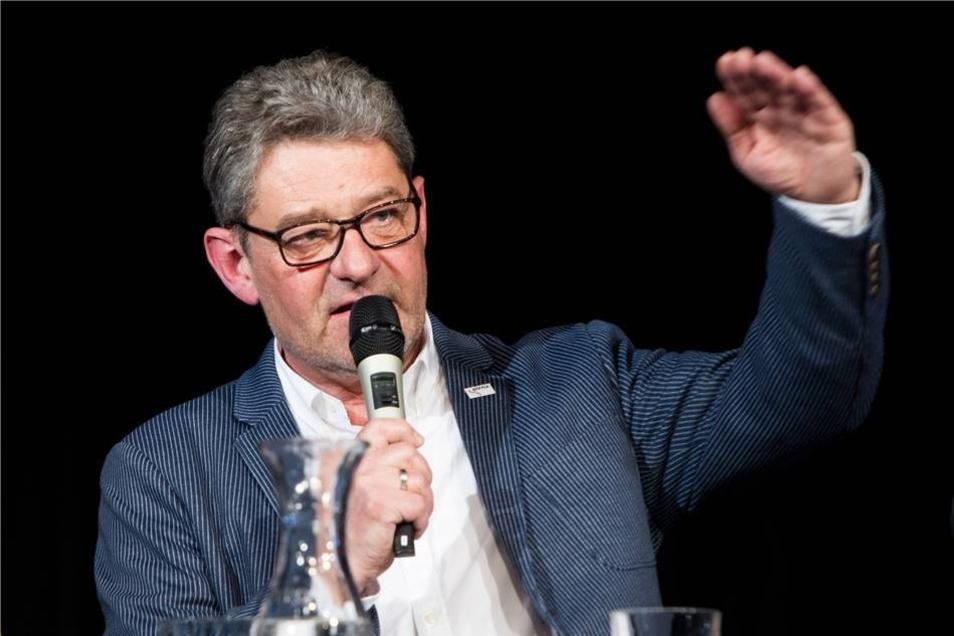 Pirnas OB Klaus-Peter Hanke (parteilos) betont, dass Pirna bei der Unterbringung von Flüchtlingen viel getan habe, um Konflikte zu minimieren.