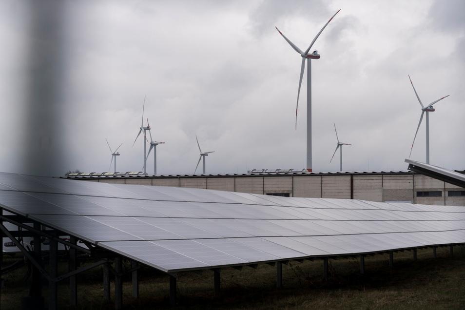 Bislang ist UKA aus Meißen vor allem als Windparkentwickler bekannt. Jetzt treibt das Unternehmen auch den Bau von Solarparks voran.