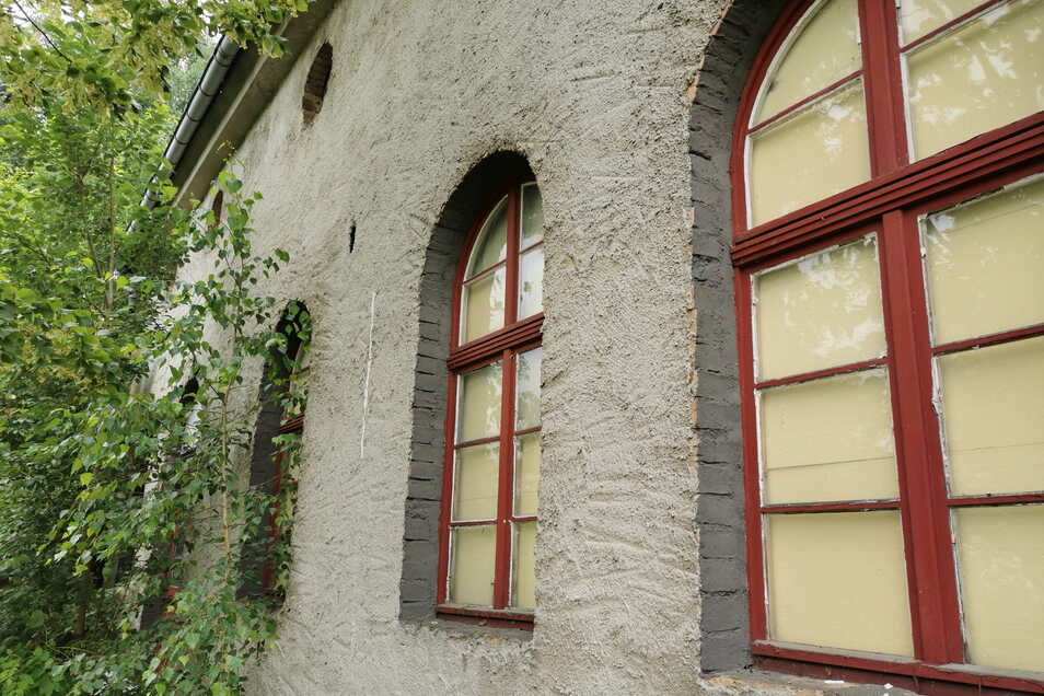 Nach der Wende nahm der ehemalige Besitzer ein paar Sanierungsarbeiten vor.