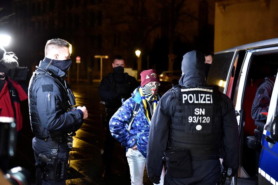Im Dezember 2020 führten Beamte der Polizeidirektion Görlitz umfangreiche Kontrollen der nächtlichen Ausgangssperre in der Neißestadt durch.