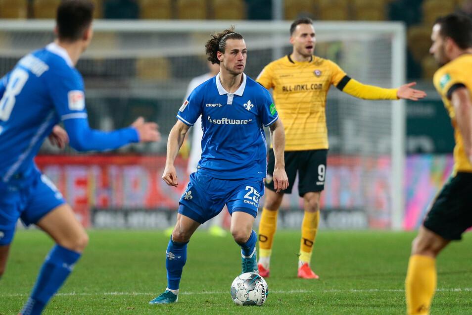 Hier noch im Darmstädter Trikot und jetzt gegen den Ex-verein: Für Dynamos Neuzugang Yannick Stark ist das Pokalspiel ein besonderes.