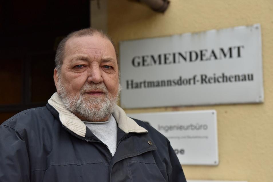 Noch ist Reinhard Pitsch der Bürgermeister von Hartmannsdorf-Reichenau. Im September macht er den Weg frei für eine Nachfolgerin oder einen Nachfolger.