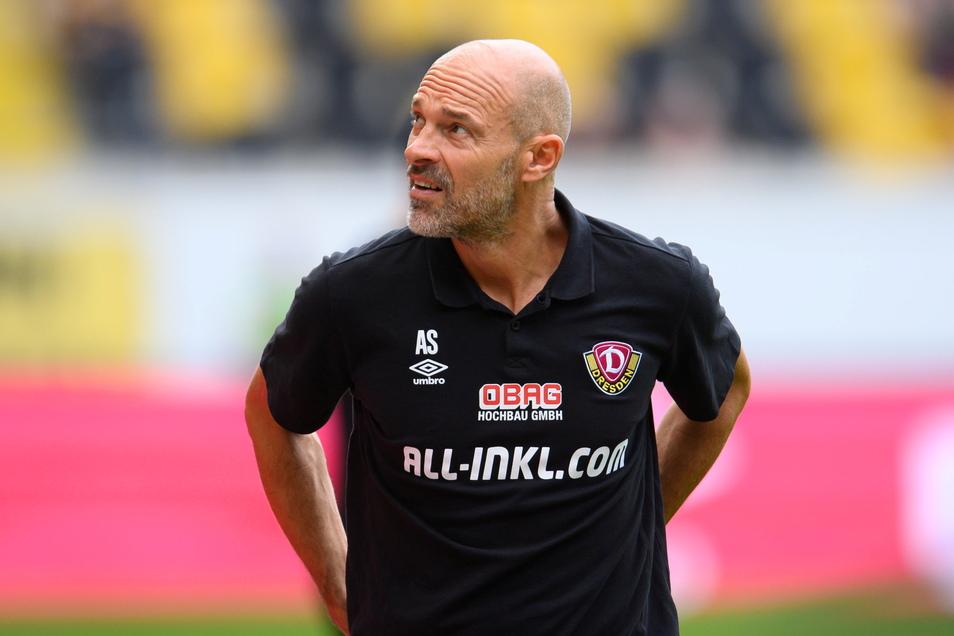 Dynamo-Trainer Alexander Schmidt ließ gegen den SC Freital vor allem die zweite Reihe ran.