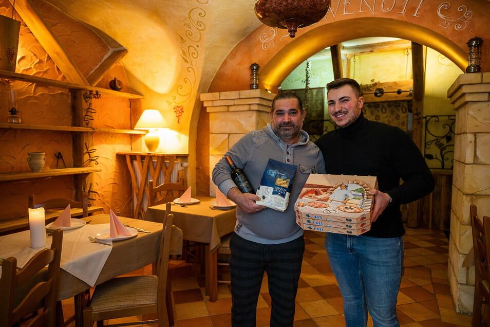 Koch Claudio Aloisi und Restaurantleiter Mario Barbato strahlen: Die Pizzeria La Taverna auf der Plattnerstraße ist wieder geöffnet, mehr oder weniger.