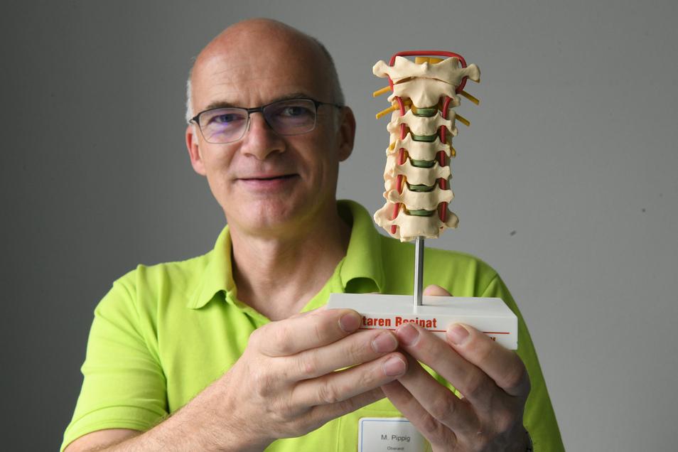 Michael Pippig  ist Oberarzt am Klinikum Döbeln und Facharzt für Chirurgie, Orthopädie und Unfallchirurgie sowie Notfallmedizin.